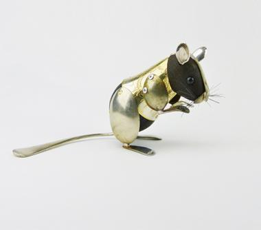 Hybrid Gallery Dean Patman Sitting Mouse